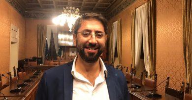 Di Bonaventura presta giuramento nel primo Consiglio da Presidente